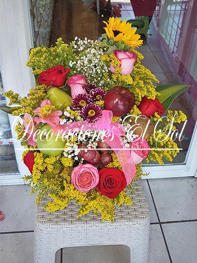"""Arreglo Floral """"Adoro Sorprenderte"""""""
