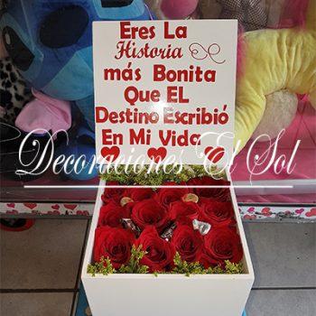 """Arreglo Floral """"Las cajas del Amor"""" De Rosas"""